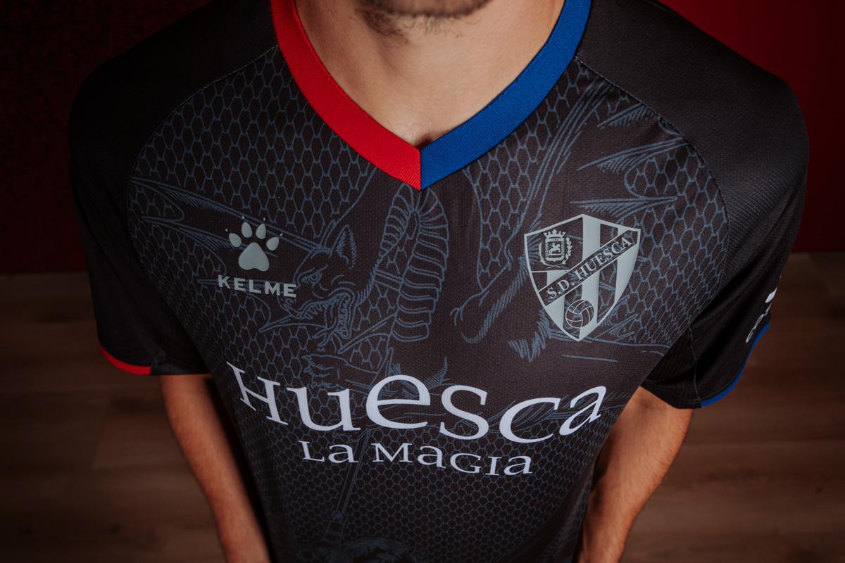 SD Huesca tercera camiseta negra